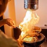 旬の食材を使用し、じっくりと炭火で焼き上げた料理を堪能!
