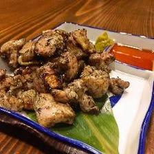 ◆炭火焼きで食べる『霧島鶏』