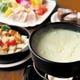 チーズフォンデュは年中人気★コースにはホールケーキを付にも!