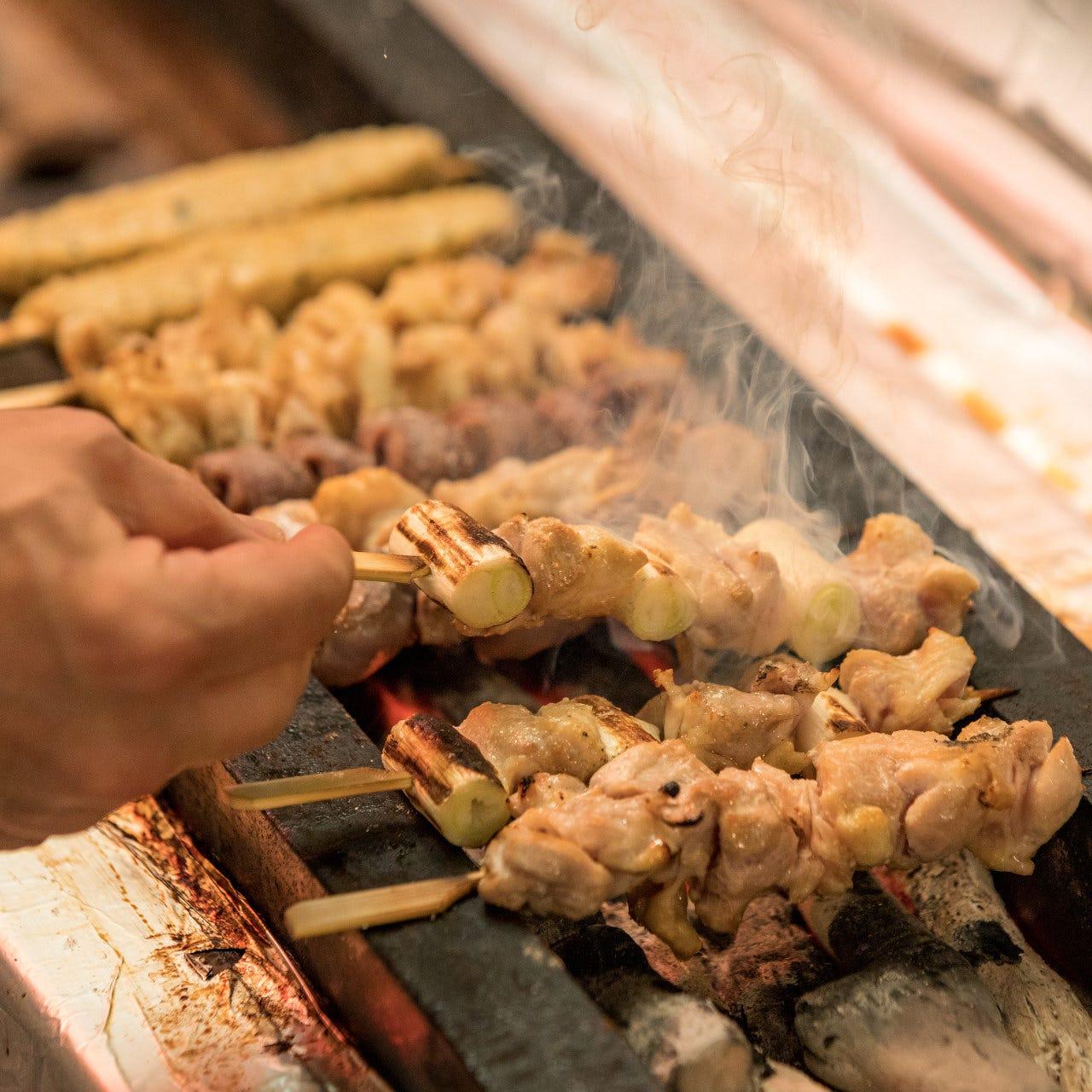 丹念に焼き上げる、鶏料理専門店だからこその絶品焼き鳥