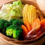 季節によって変わる旬の食材を藁焼きにしてご提供しております