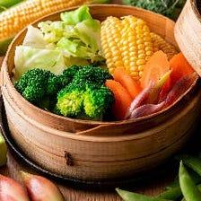鮮魚や野菜の斬新なおつまみが揃う