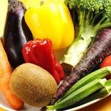 新鮮な野菜は毎朝店主が自ら仕入れています!
