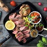 300g!アメリカンスタイルのの牛ロース肉のステーキ