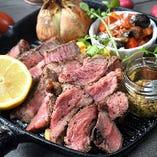 お肉屋さん直卸し!食べごたえ抜群の牛ロース肉!