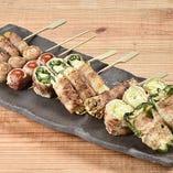 名物の野菜巻き串をお得に食べれる「おまかせ8種盛り」!