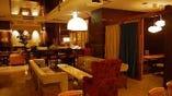 お隣 Cafe & Wine Pizzeria EBIIRO(エビイロ)