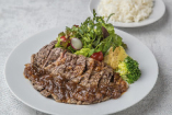 リブロースステーキシャリアピンソース USリブアイロール(180g)・ローズマリーポテト・ライス・サラダ付