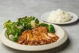 大山鶏のチキンステーキ 大山鶏もも(220g)・ローズマリーポテト・ライス・サラダ付