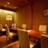 テーブル個室は最大10名様まで。お祝いのお席にも。