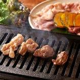 メインの鶏焼肉は焼き鳥とは違う鶏の楽しみ方♪必食です!