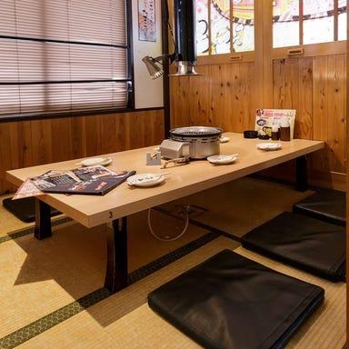 赤から鍋とセセリ焼 赤から 京都亀岡店 店内の画像