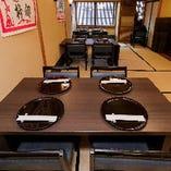 【2階・個室テーブル席/10~18名様】伸長式テーブルで使い勝手の良い広めの個室