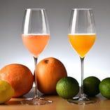 ワインとフレッシュフルーツで作るカクテルを乾杯にどうぞ。
