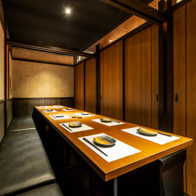 横浜 地鶏と個室 兼政  店内の画像