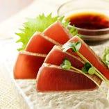 鮮魚の刺身も季節に合わせて仕入れています。