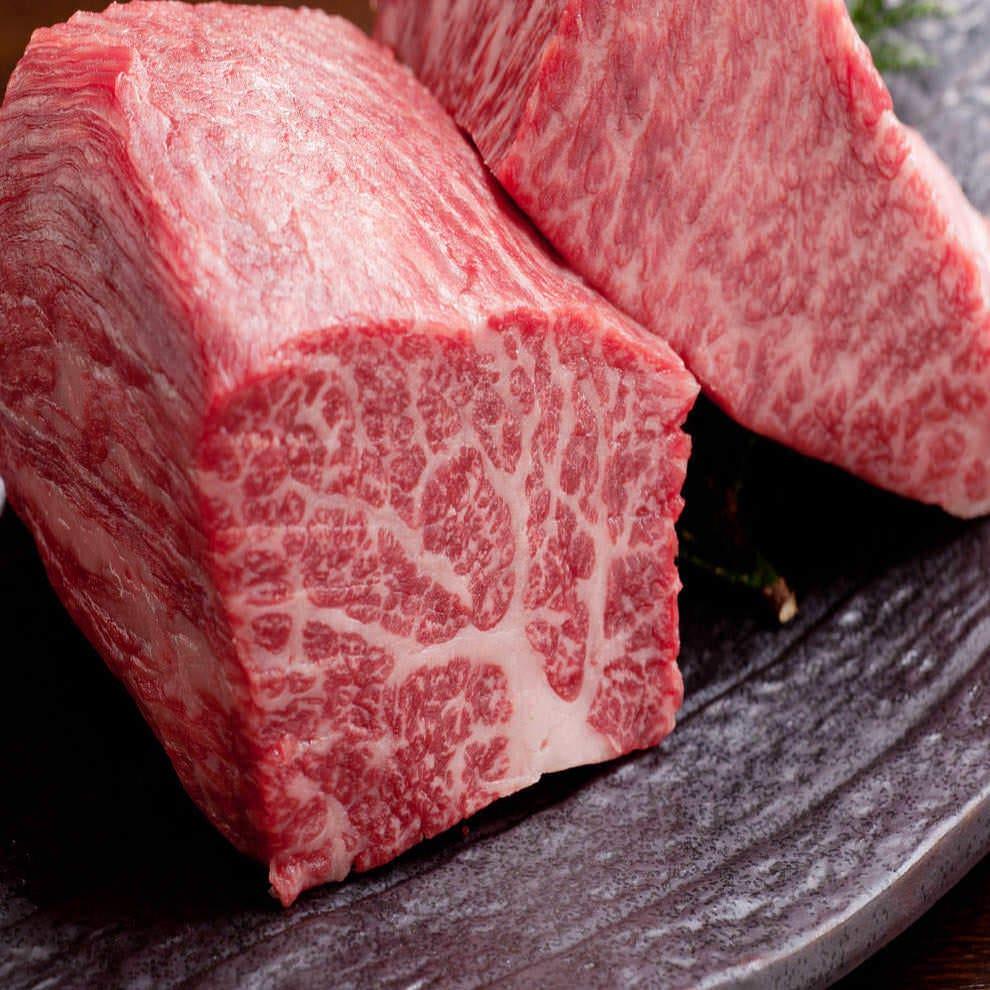繊細な味わいの黒毛和牛A5雌牛で焼肉