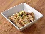 国産牛コリコリのガーリックバター炒め(ハツモト使用)