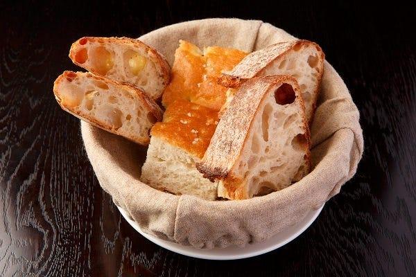 こだわりの自家製パン