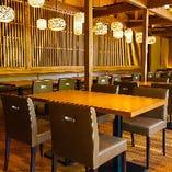 4名様用テーブル席はご家族での食事などに最適