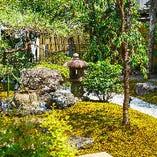 日本庭園の緑に包まれて、和牛を楽しむ…少し贅沢な大人の時間を