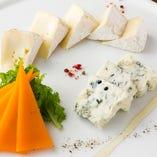 本日のチーズの盛り合わせ3種