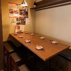 ジョイントできるテーブル席。