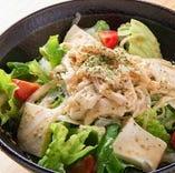 ◎ 蒸し鶏と豆腐サラダ