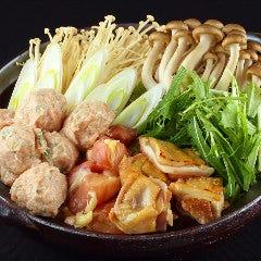 大山どりの鶏づくし鍋(濃厚白湯スープ)