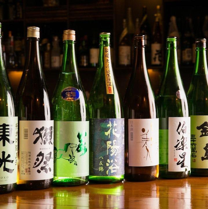 蔵元直送の銘酒を季節ごとに常時20種類以上取り揃えています