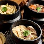 旬の素材と出汁の旨み香る釜飯は、卓上で炊き上げます