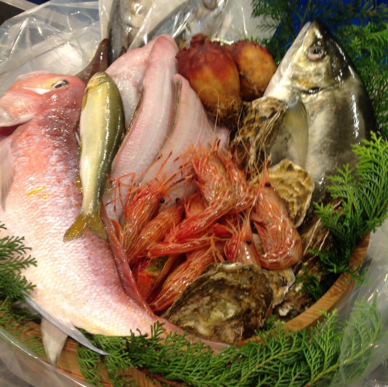 40年にわたる市場とのお付き合いで、より新鮮な産直鮮魚が入荷!