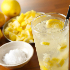 1日100杯出る自家製塩レモンサワー