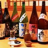 季節の酒など常時十数種類の地酒をご用意。有名なメジャーどころよりも、店主が美味しいと思う酒を入荷します。