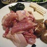 程よい脂がジューシーな大山鶏を鍋で味わう「大山鶏鍋コース」5,000円