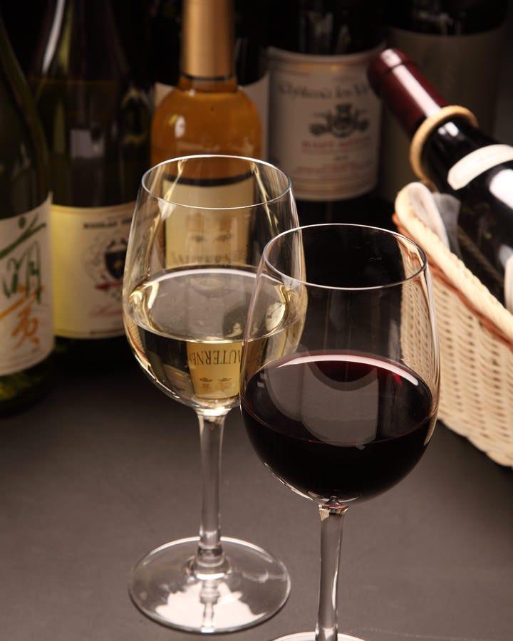 ソムリエが厳選するワインと一緒にご堪能ください