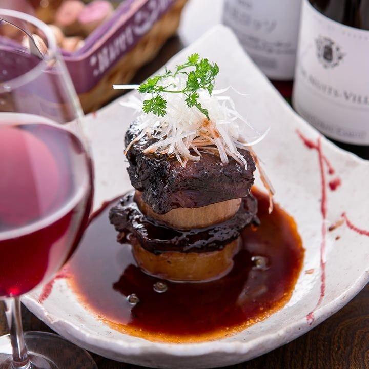 ☆牛ホホ肉と風呂吹き大根の赤ワイン煮