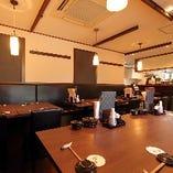 【和モダン】 鮨屋ながらもカジュアルでお洒落な雰囲気が魅力