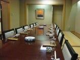 テーブル個室もあります。 42名様まで対応できます。