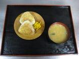 焼きおにぎり(2ヶ)味噌汁付