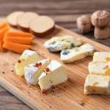 チーズの盛り合わせ(5種)
