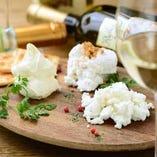 作りたてのフレッシュチーズはぜひ召し上がっていただきたい逸品