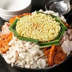 韓国キムチ鍋(豚バラ/地鶏&てっちゃん)