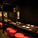【テーブル席/全28席】使い方自由自在♪まとまった人数もがっつり楽しめます