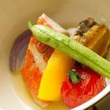 真鯛のチリ蒸しつき浅葱堪能コース 2,500円(税込)