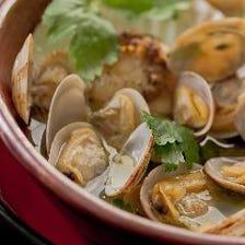 浅蜊と帆立貝の白ワイン蒸し