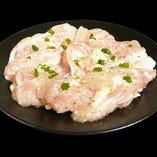 鶏カルビ(塩・味噌・辛味噌・バジル焼・ゆず胡椒風味)