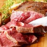 EDGYと言えば肉料理。食材が料理へと生まれ変わるSTORYをどうぞ。
