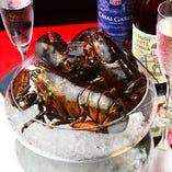 ロブスターを使った料理は特に人気あり!ご予約時にお確かめください。