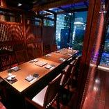 【合コン】夜景を楽しむ10名様テーブル席。コンパにご利用下さい